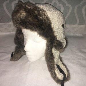 D&Y faux fur trapper winter hat cream colored